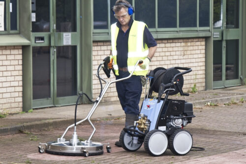 Peo 21 with surface cleaner action shot 2